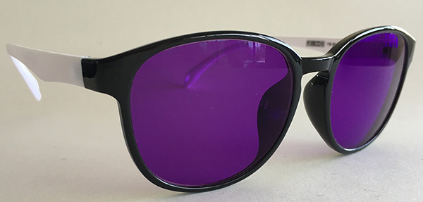 Purple tint retro sunglasses-