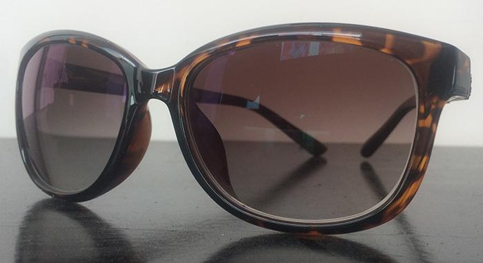 Americas best eyeglasses, cateye with wooden temple detail